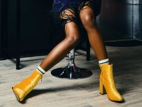 How to Tone Your Thighs at Your Desk